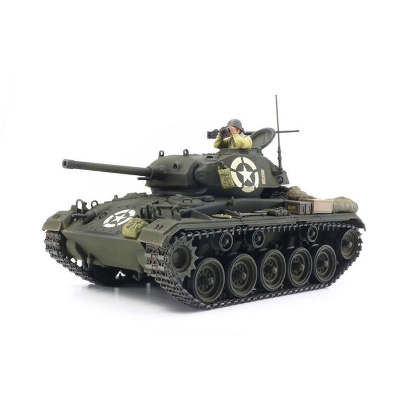 37020 1 35 US Light Tank M24 Chaffee (ITALERI)