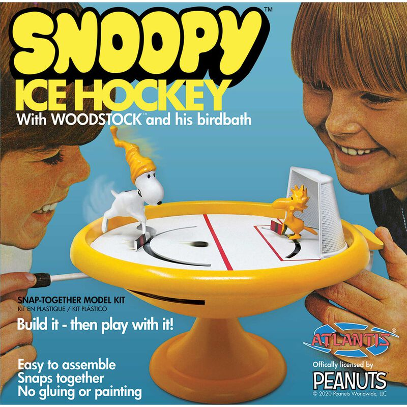 Snoopy Ice Hockey Game with Woodstock Snap Kit