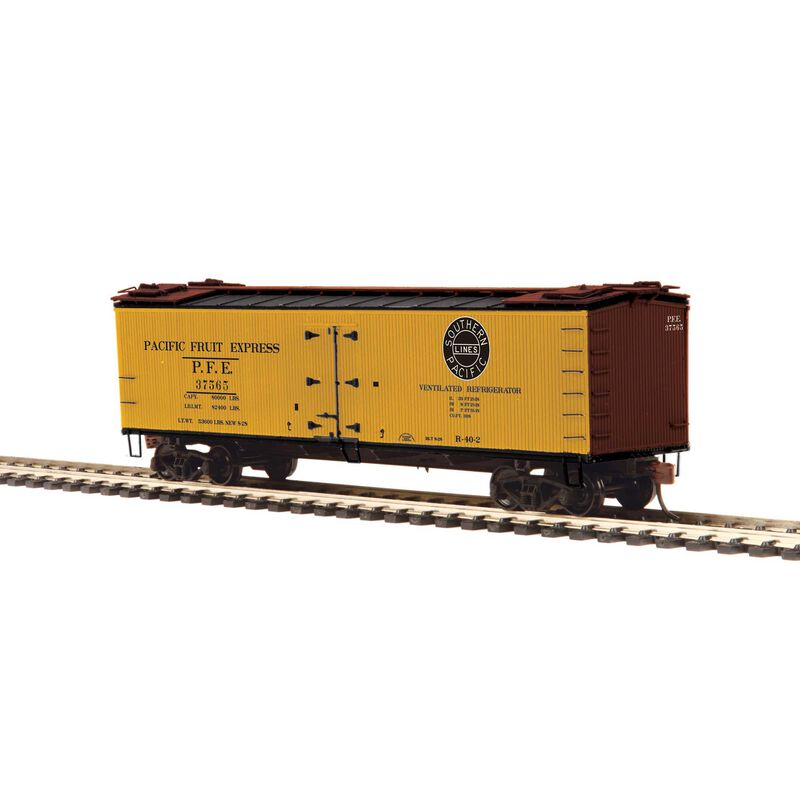 HO R40-2 Wood Reefer PFE #37569