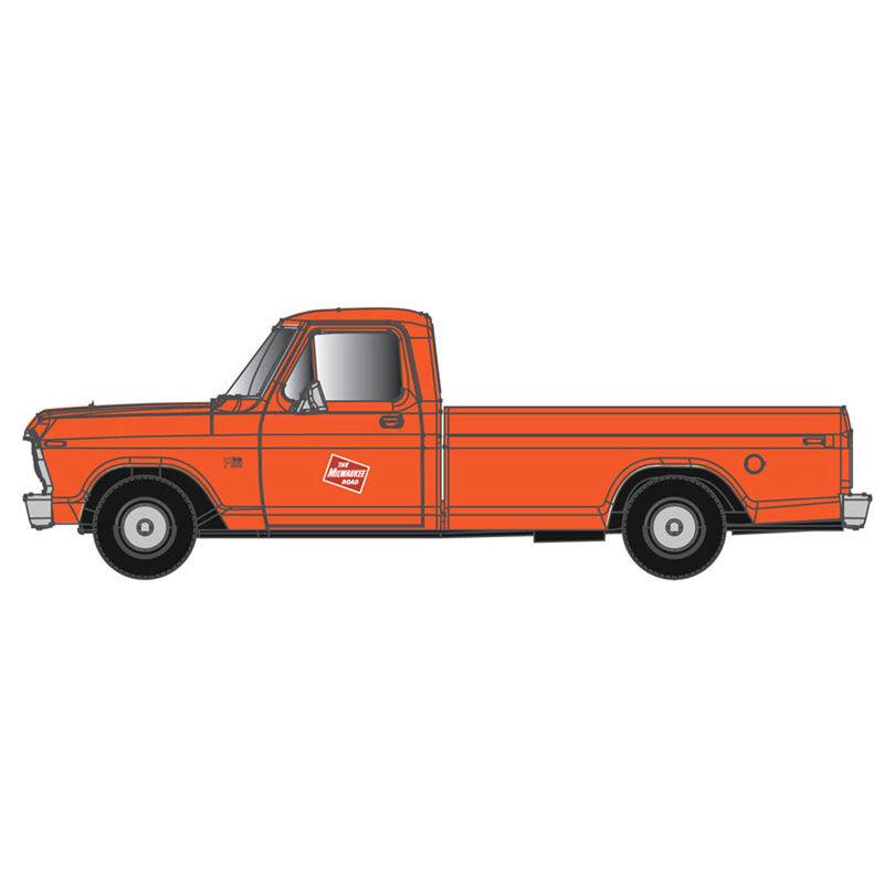 N Ford F-100 Pickup Truck MILW (2)