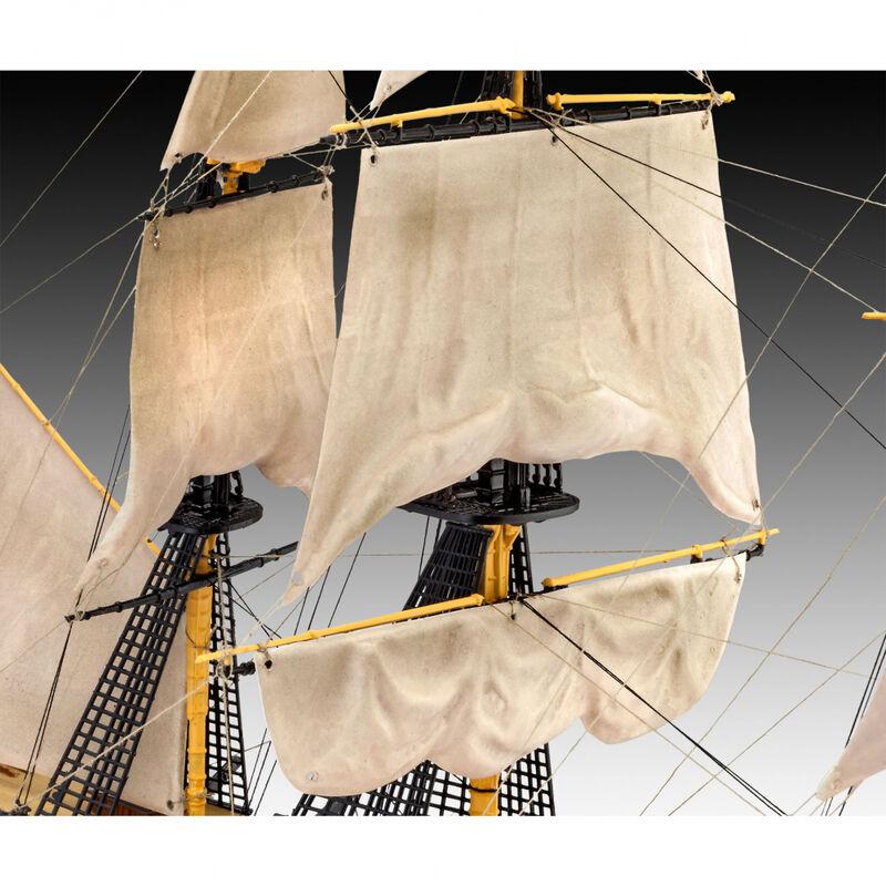 1/225 HMS Victory Sailing Ship