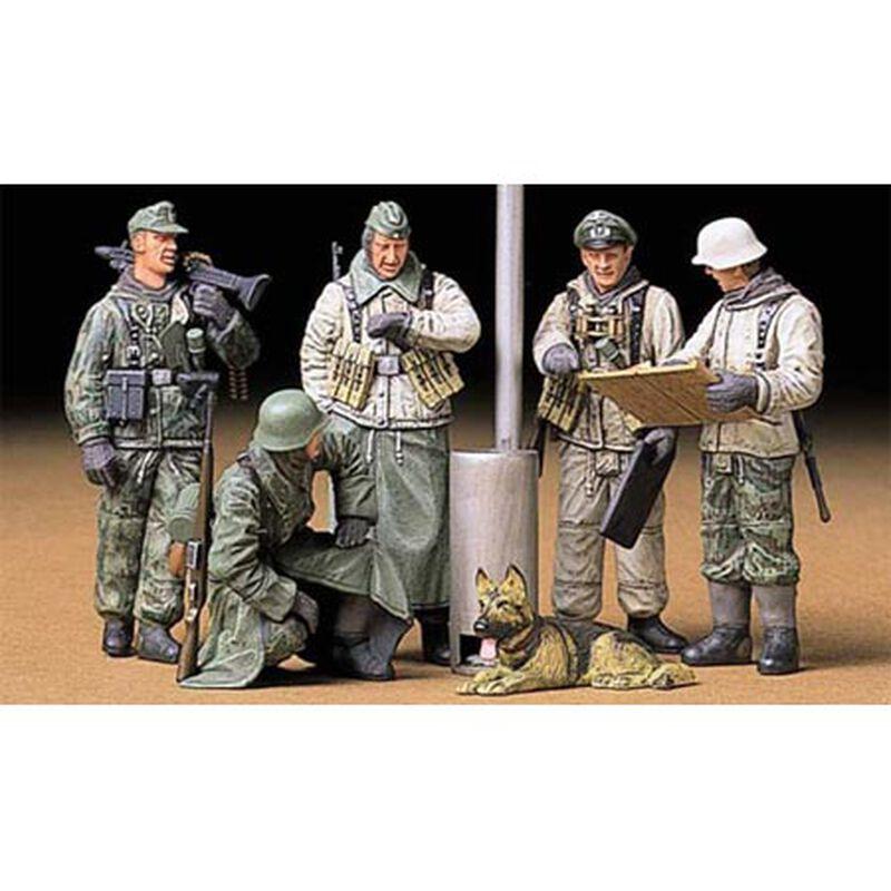 1/35 German Soldier Field Brief