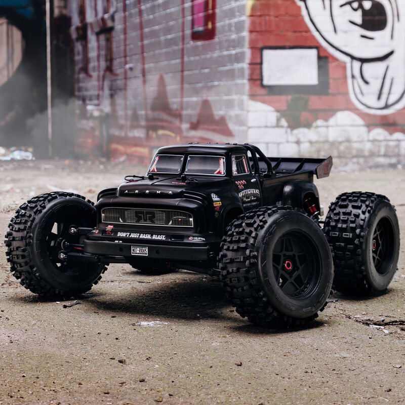 1/8 NOTORIOUS 6S V5 4WD BLX Stunt Truck with Spektrum Firma RTR, Black
