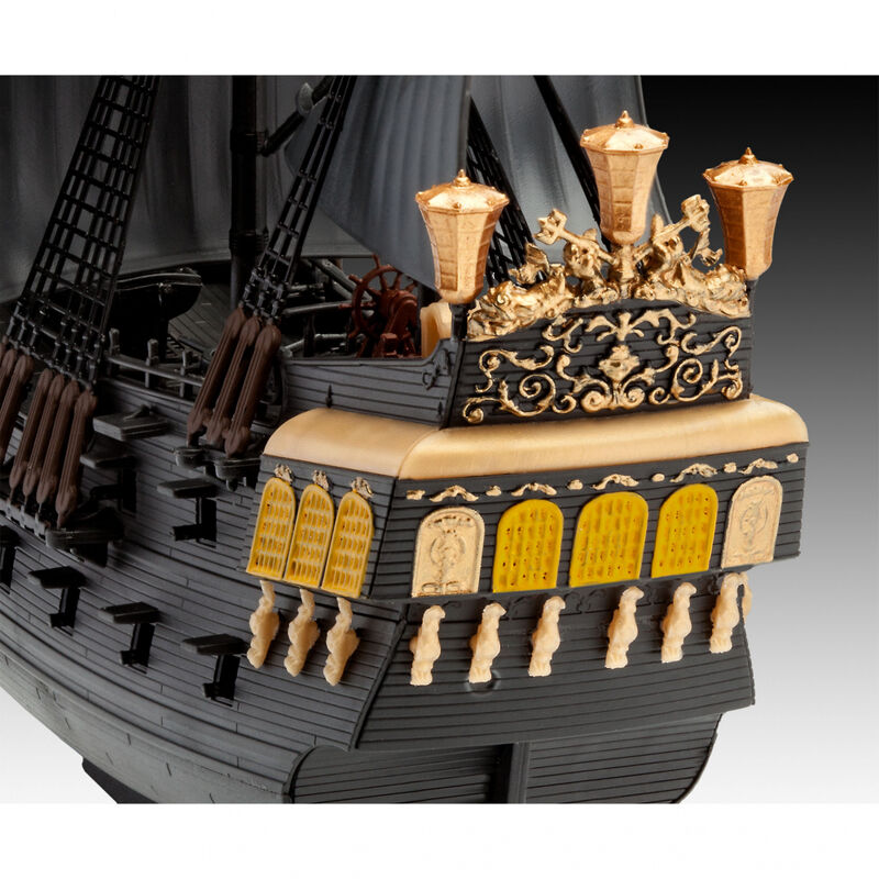 1/150 Disney Pirates of Caribbean Blk Pearl Easy