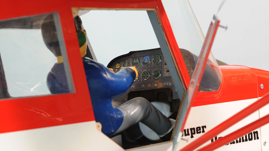 Phoenix Model¨ 1/6 Decathlon Mk2 GP/EP ARF - interior