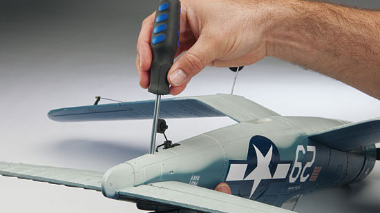 Tower Hobbies F4U Corsair Brushless Rx-R - glue-free assembly